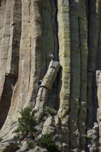 Modige klatrer på Devils Tower