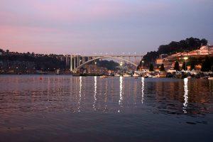 Lysene tændes i Porto