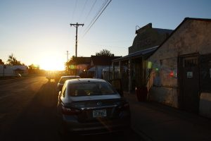 Morgenstund ved Bottle House