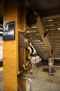 Tom Otterness kunst på 14th Street
